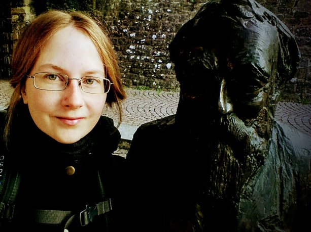 Selfie mit Martin-Buber-Statue
