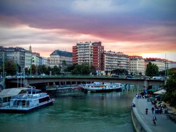 Donaukanal in der Morgenröte